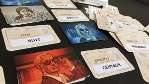 codenames-cards-close-up